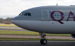 Airbus εναέριων διαδρόμων του Κατάρ A330 Στοκ Φωτογραφία