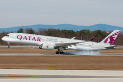 Airbus εναέριων διαδρόμων του Κατάρ A350 Στοκ φωτογραφία με δικαίωμα ελεύθερης χρήσης