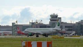 Airbus A321-211 των αερογραμμών Germania πριν από την αναχώρηση απόθεμα βίντεο