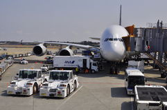 Airbus A-380 en el aeropuerto de Narita Foto de archivo libre de regalías