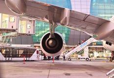 Airbus a380 no aeroporto de Dubai Fotografia de Stock Royalty Free