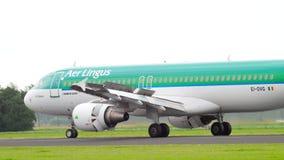 Airbus 320 Aer Lingus που φρενάρει απόθεμα βίντεο