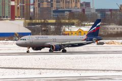 Airbus a320 Aeroflot, Flughafen Pulkovo, Russland St Petersburg Januar 08 2018 Lizenzfreie Stockfotografie