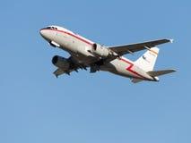 Airbus-A319 bonito, Iberia Linhas Aéreas decola Fotos de Stock