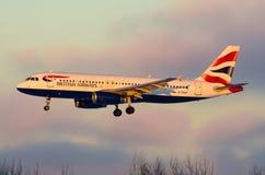 Airbus 320 British airways, aeroporto Pulkovo, Rússia Saint-Peterburg 6 de janeiro de 2015 Imagem de Stock