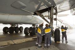 Airbus A380 cansa a trabajadores fotografía de archivo