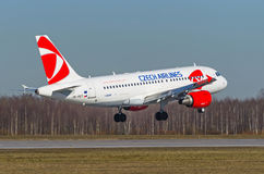 Airbus a319 Checo, aeroporto Pulkovo, Rússia St Petersburg maio de 2017 Foto de Stock