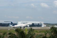 Airbus A330 décollent Photo libre de droits