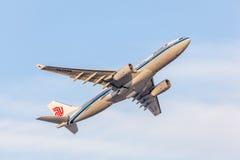 Airbus A330-200 de Air China Imagens de Stock