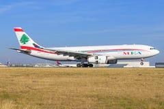 Airbus A330 de la línea aérea del Medio Oriente imagenes de archivo