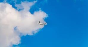 Airbus A320 de Nouvelair a enregistré le vol de TS-INR au-dessus de Nantes A Photos stock