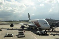 Airbus 380 de Singapore Airlines en el aeropuerto internacional de Changi Fotos de archivo