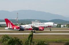 Airbus A320 decola Fotografia de Stock