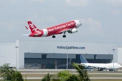Airbus A320 decola Imagem de Stock Royalty Free
