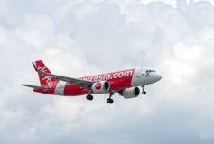 : Airbus A320 del aterrizaje de Thai AirAsia imagenes de archivo