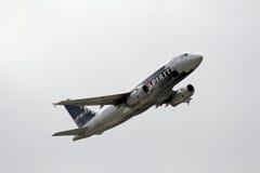Airbus A319-132 des lignes aériennes d'esprit Images stock