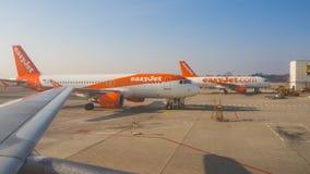 Airbus Easyjet A319 στο διεθνή αερολιμένα Malpensa στοκ εικόνα