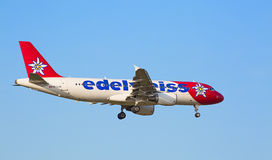 Airbus A319, Edelweiss Air Imagens de Stock Royalty Free