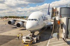 Airbus A380 em Francoforte Fotos de Stock Royalty Free