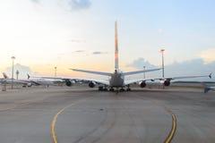 Airbus A380 en el aeropuerto Fotos de archivo libres de regalías