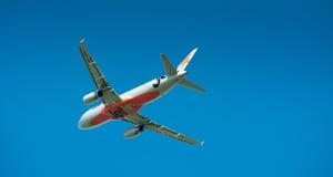 Airbus A320 en vol Photos libres de droits