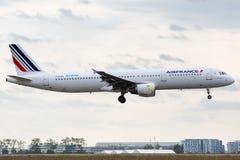 Airbus A321-211 - 3399, funktioniert durch Air France-Landung lizenzfreie stockfotos