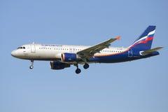 Airbus A320 G Shelikhov (VP-BMF) Aeroflot en vuelo Imagen de archivo libre de regalías