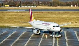 Airbus A319-100 Germanwings στη Δρέσδη Γερμανία στοκ φωτογραφία
