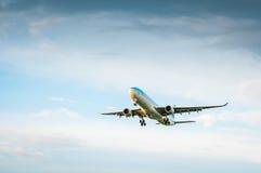 Airbus A330 HL7584 da linha aérea Korean Air Fotos de Stock