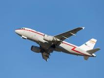 Airbus-A319, Iberia Linhas Aéreas decola Imagem de Stock