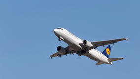 Airbus A320-214 Lufthansa Stock Photography