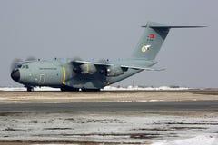 Airbus A400M 14-0028 der türkischen Luftwaffe an internationalem Flughafen Vnukovo Lizenzfreie Stockfotografie