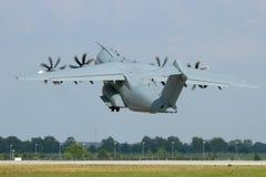 Airbus A400M entfernen sich Lizenzfreie Stockfotos
