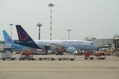 Airbus A319-111 OO-SSA Brussels Airlines no aeroporto de Malpensa Fotografia de Stock