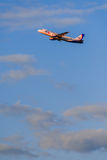 Airbus que des 319 Ural Airlines décollent de l'aéroport Photo stock