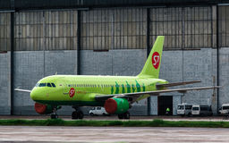 Airbus A320-100 S7 Airlines Fotos de Stock
