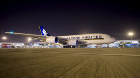 Airbus 380 Singapore Airlines kommt in Indien an lizenzfreie stockfotos