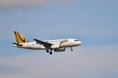 Airbus A320 landing Royalty Free Stock Image
