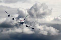 Airbus A380 sul cielo fotografia stock