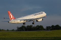 Airbus 321-231 Turkish Airlines Image stock