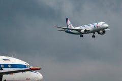 Airbus A320-100 Ural Airlines Fotografia de Stock