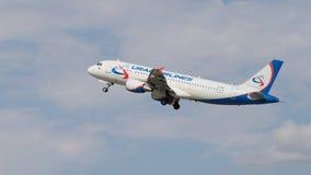 Airbus A320-214, Ural Airlines Fotografia de Stock