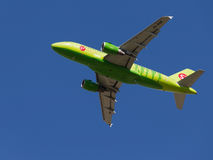 Airbus verde A319-115LR Fotografia de Stock