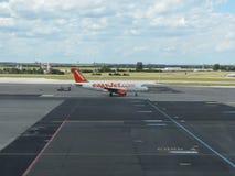 Airbus A319 von Easyjet-Fluglinien Lizenzfreies Stockfoto