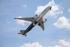 Airbus A 350 - voo 900 plano no aeroporto em Berlim Imagem de Stock