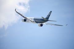 Airbus A 350 - voo 900 plano no aeroporto em Berlim Fotografia de Stock Royalty Free
