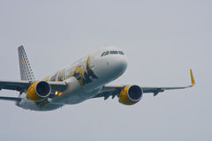 Airbus 320 Vueling. Festa al cel (Sky Party Air show) Royalty Free Stock Photo