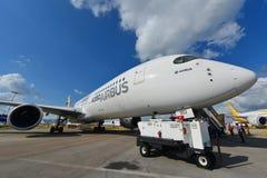 Airbus A350-900 XWB na exposição em Singapura Airshow Fotos de Stock
