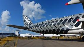 Airbus A350-900 XWB na libré do carbono na exposição em Singapura Airshow Imagem de Stock Royalty Free