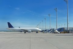 Airccraft dans l'aéroport Images libres de droits